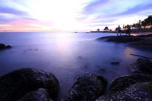 longue exposition de la mer et des rochers