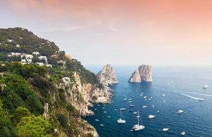 Capri, Italie. paysage côtier de la mer Méditerranée
