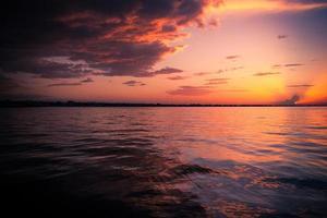 coucher de soleil en mer Méditerranée
