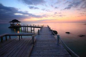 pavillon dans la mer