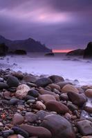 coucher de soleil orageux sur la mer