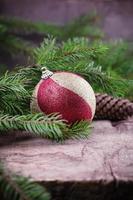 composition décorative de Noël sur fond de bois