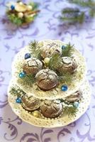 gâteaux au chocolat de Noël avec du sucre en poudre