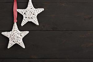 décoration de noël sur fond de bois photo