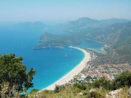 Panorama du lagon bleu et de la plage d'Oludeniz Turquie