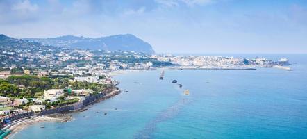 Plage de Forio, île d'Ischia, Italie