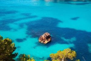 Cala macarella menorca turquoise baléares méditerranée photo