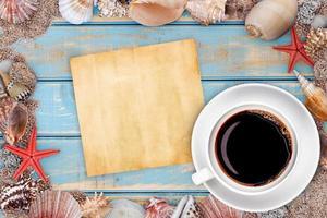 papier avec des coquillages photo