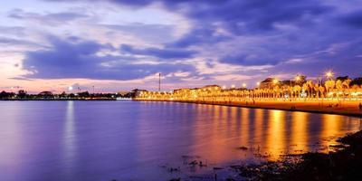 plage de nuit photo