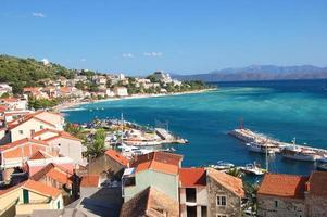 Superbe vue panoramique azur sur Podgora en Croatie photo