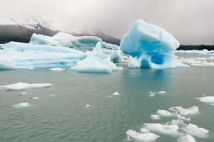 icebergs dans le parc national de graciar