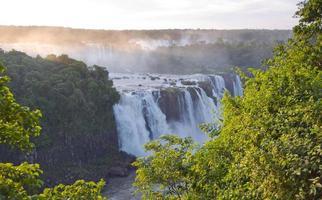 Parc national des chutes d'Iiguassu à côté du Brésil