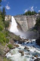 Nevada Falls dans le parc national de Yosemite photo