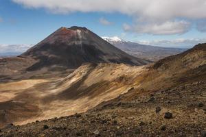 Mont Ngauruhoe dans le parc national de tongariro photo