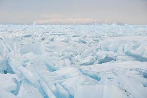 champ de glace fissurée