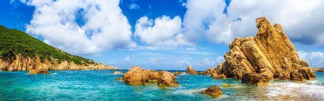 Côte de l'océan vue panoramique panoramique sur la costa paradiso, sardini photo