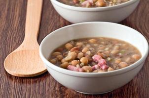 soupe de haricots borlotti et d'épeautre.