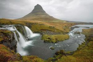 Kirkjufellsfoss sur la péninsule de Snaefellsnes