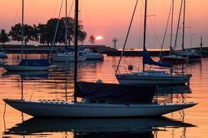 lever du soleil au port