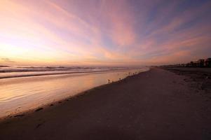 lever du soleil à la plage photo