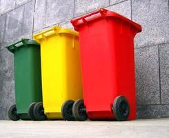 poubelles pour le tri des déchets photo