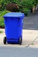 recyclage en bordure de rue photo