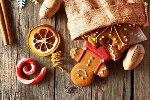 biscuits de pain d'épice de Noël photo