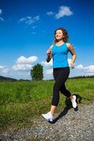 femme jogging dans le parc photo