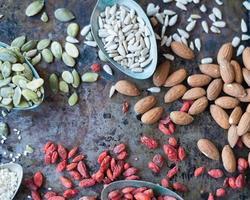 noix et graines photo