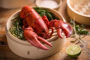 homard cuit à la vapeur photo