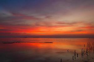 au crépuscule à bangpoo, thaïlande photo