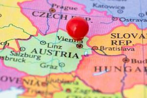 Punaise rouge sur la carte de l'Autriche