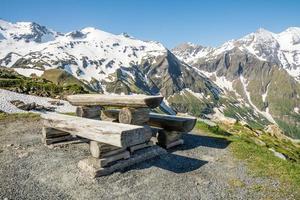 aire de pique-nique alpin photo