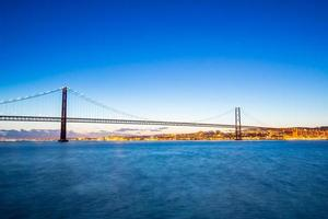 Pont de Lisbonne au crépuscule