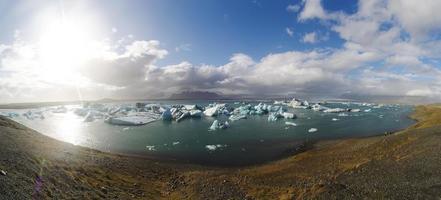 Panorama de la lagune glaciaire de Jokulsarlon