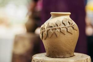 vase en argile fait main traditionnel vietnam photo