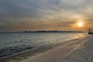 Vue sur le fleuve Tage à Lisbonne