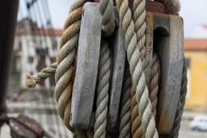 La poulie et les cordes du navire, Vila do Conde, Portugal