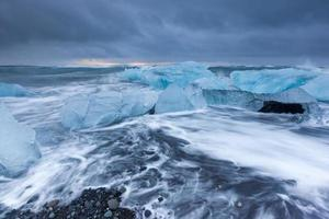 Plage de glace à Jokulsarlon, Islande.