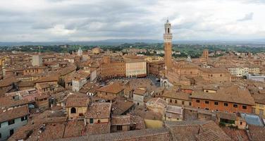 panorama de la ville de Sienne photo