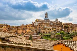 Le paysage urbain de Sienne dans le sud de la Toscane, Italie