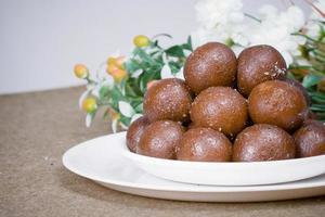 dessert gulab jamun