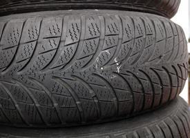 clou dans le pneu photo