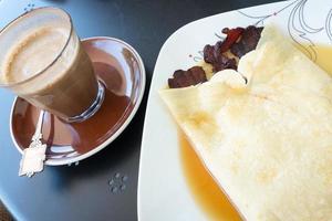 crêpe au bacon et café photo