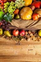 produits agricoles d'automne sur bois