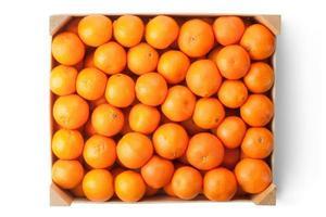 caisse de mandarines mûres. vue de dessus. photo