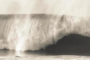 surf des vagues de bodyboard photo
