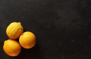 photographie de trois citrons photo