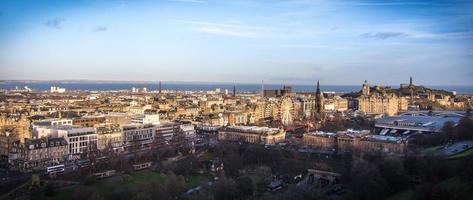 Vue sur les toits d'Édimbourg depuis le château