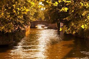 groenerei ou canal vert de bruges, belgique. photo